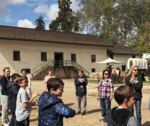 4th graders gather at Sutter's Fort